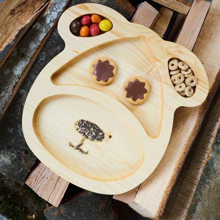 Tăviță din lemn masiv, sub formă de cățeluș, patru compartimente, vedere frontală ambient
