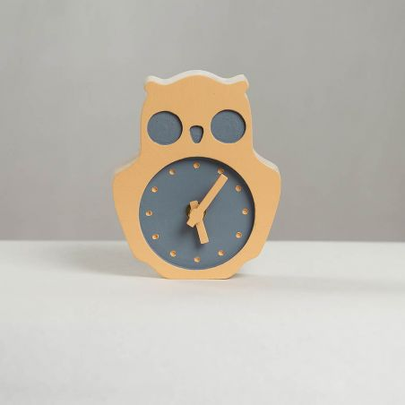 Bufnițel - ceas lemn masiv de birou / masa pentru copii, vedere frontala studio