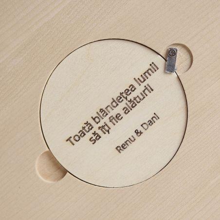 Bufnițel - ceas lemn masiv de birou / masa pentru copii, vedere capac spate