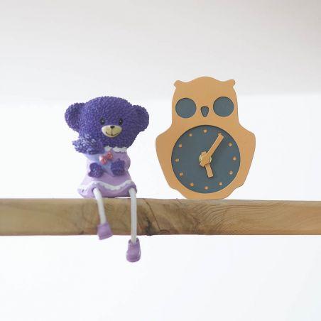 Bufnițel - ceas lemn masiv de birou / masa pentru copii, vedere frontala ambient