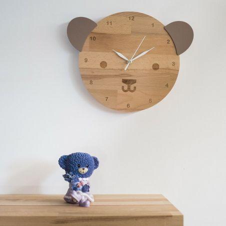 Ursulică - ceas pentru camera copiilor, realizat din lemn masiv, sub formă de ursuleț.